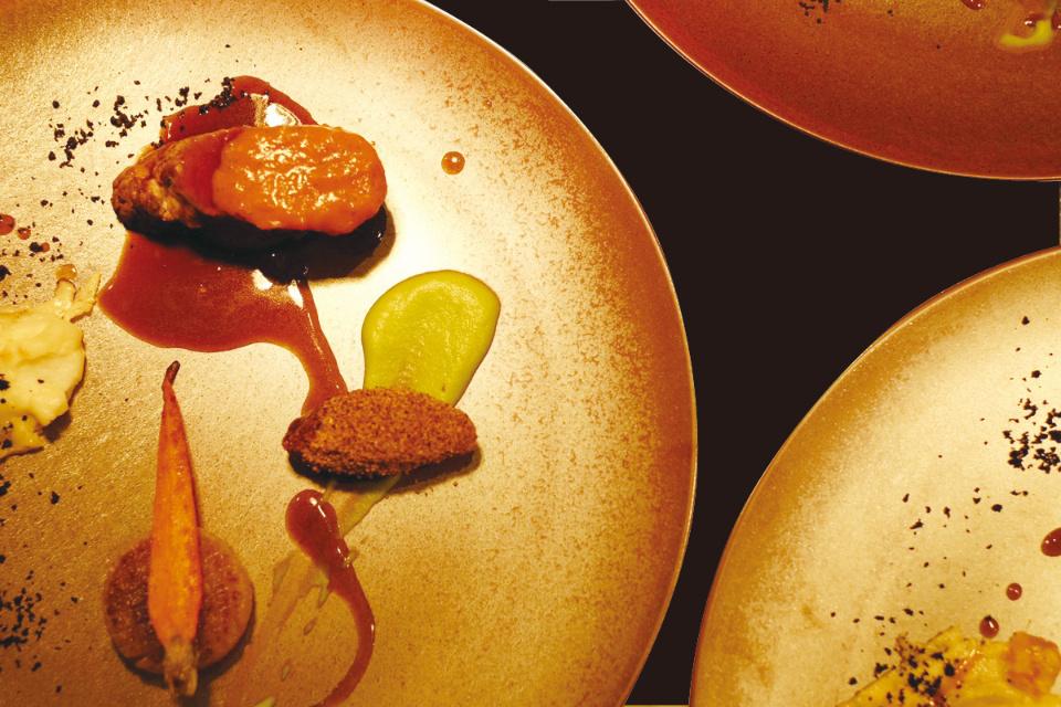 おめでとうレストラン 夫婦の日ディナー 【お得な前売りチケット発売中】