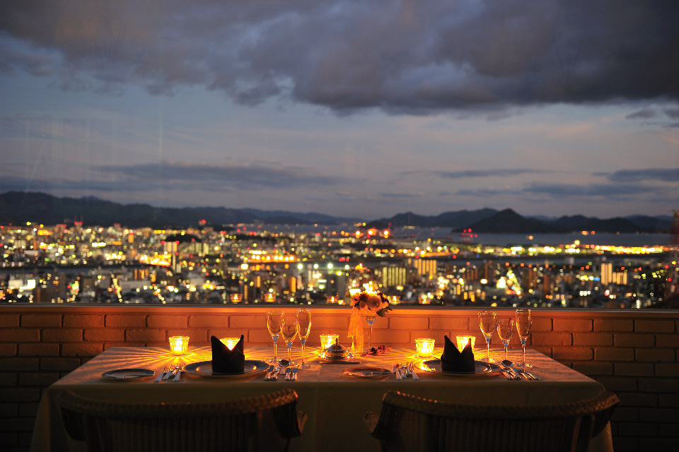2020年夏フェスタ「夜景と美食を愉しむ おめでとうレストラン」